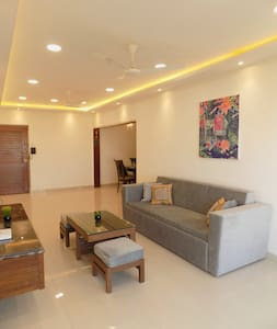 LUXURIOUS TWO BEDROOM APARTMENT IN COLABA
