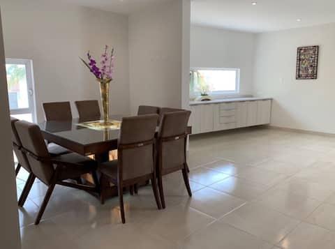 Residencial privado, excelente ubicación, agradable y acogedor!