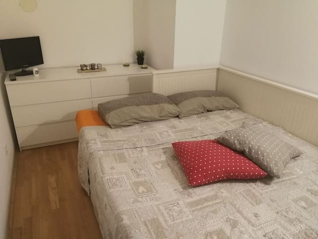 Central and cozy Double room with private terrace!