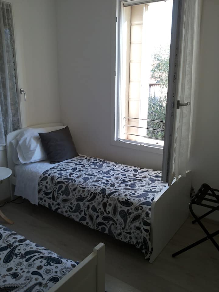 Dafne Bnb -  Single/Double Room