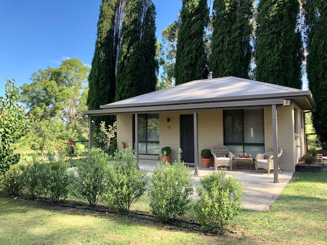 Cottage at Number 20 - Only minutes to Bowral