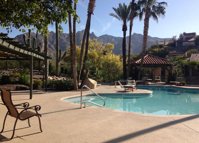 Catalina Foothills Condo