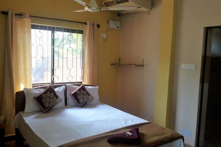 1 Bhk Apartment. - Colva - Bungalow