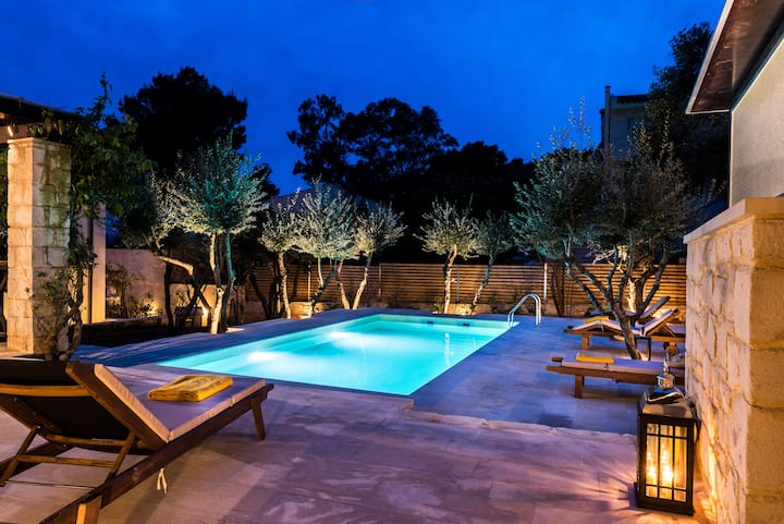 A timeless paradise with pool