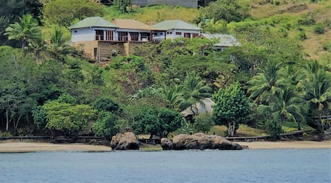 VatuVonu Oceanfront Fijian Villa with private boat