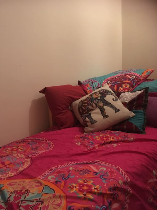 cosy single bed