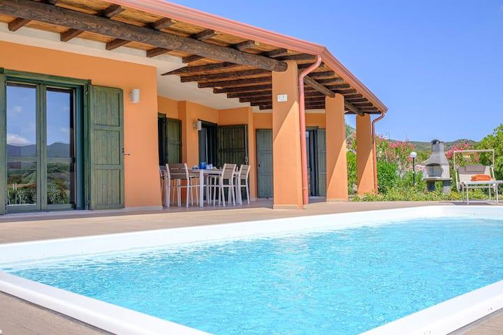 Raffinata villa per amanti del design baia di Chia