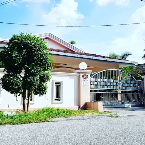 Diamond Bay Home 2 Teluk Intan