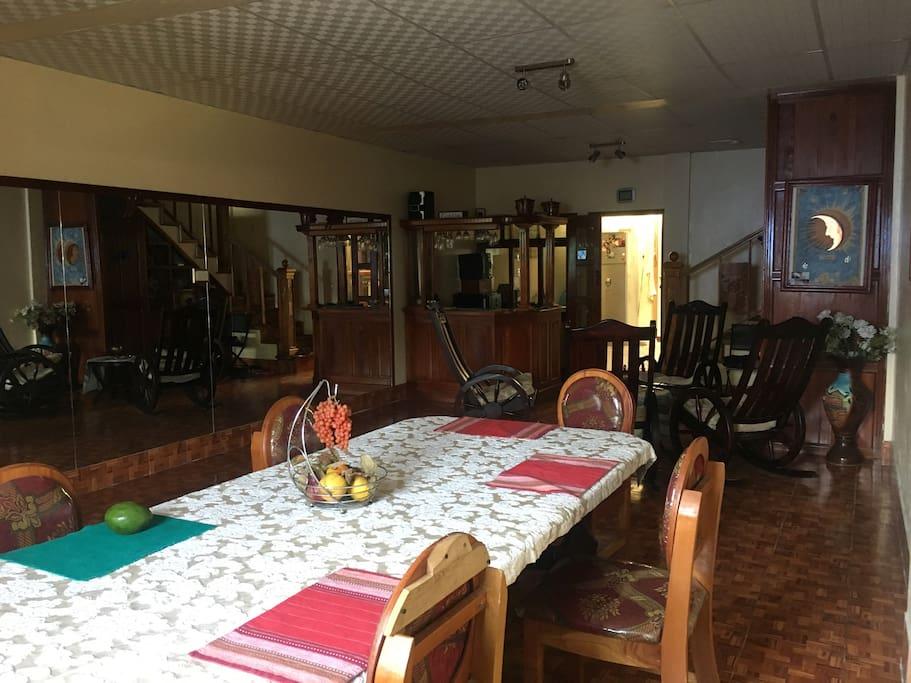 Dinning Room / Esszimmer / Commedor