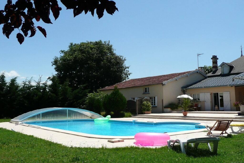 Deux chambres avec lits double et piscine chambres d for Chambres d hotes herault avec piscine