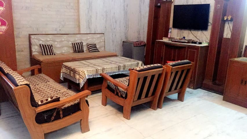 Large Space, Furnished, Get-together, Safe,Parties - New Delhi - House