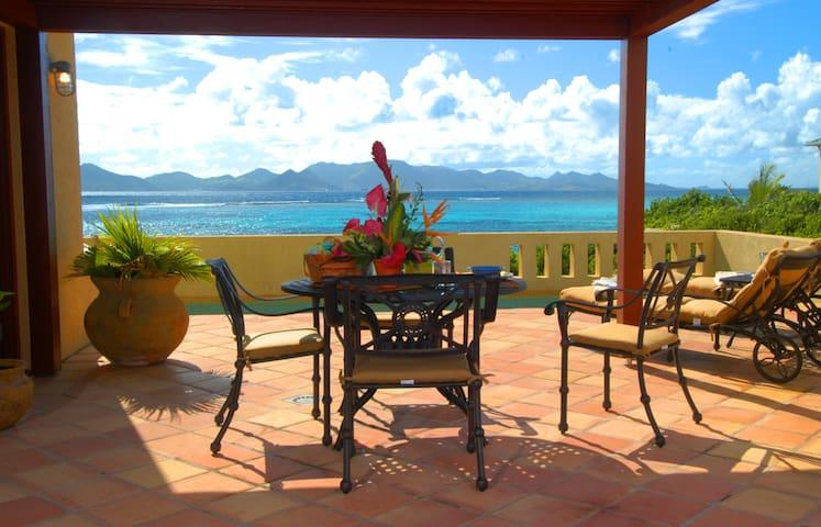 Fletch's Cove Oceanfront Villa, Romantic&Tranquil