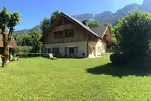 Authentique maison savoyarde entre lac et montagne