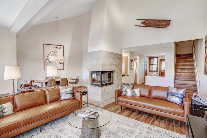 Snowmass Ski-In/Ski-Out Condo w/Shared Hot Tub/Pool + Private W/D & Free WiFi!