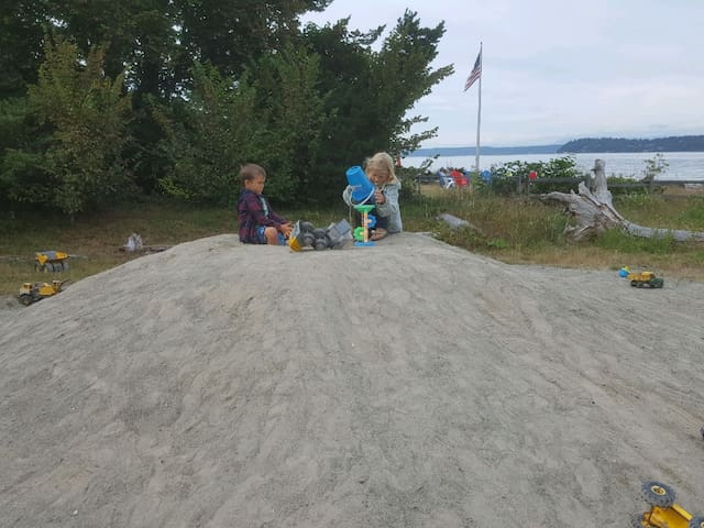 Fun Beach park stocked with tonka trucks and toys for little tykes.  Just 5 min walk from house