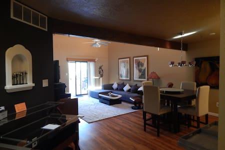 Butler Adobe Complex - Appartamento