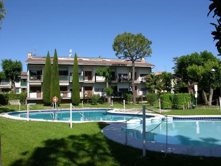 Appartamento Genziana - con piscina e garage