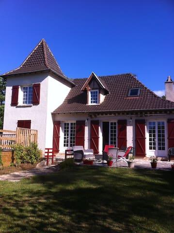 Belle maison quercynoise à Figeac - Lunan - Hus