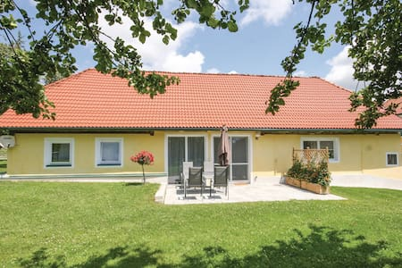 Holiday cottage with 2 bedrooms on 66m² in St. Georgen am Längsee