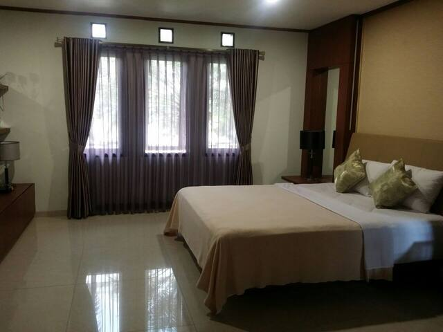 Luxury house with cheap price at North Bandung - Parongpong - Daire
