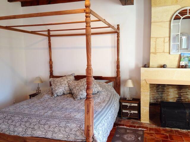 Beautiful room near Saint Emilion - Saint-Magne-de-Castillon - Bed & Breakfast