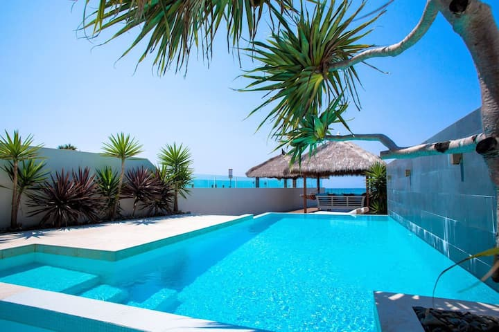 Sapphire Sands Beach House -  - Absolute Beachfront, Luxury, Pet-Friendly, Pool, Spa