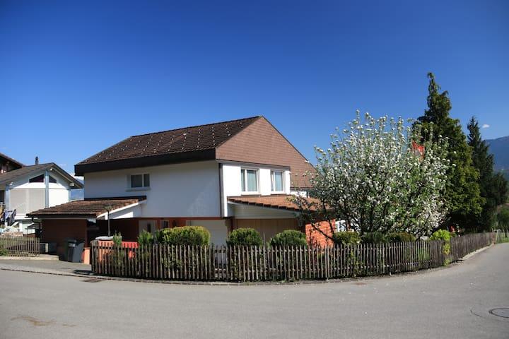 B&B Am Berg, Sennwald - Sennwald - House
