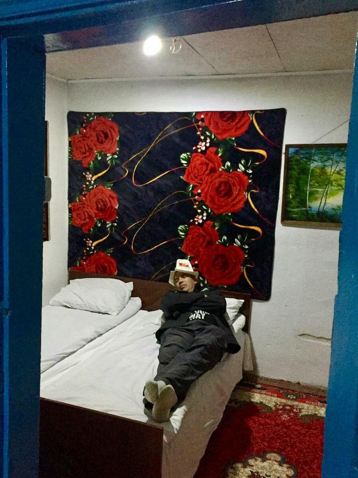Дом в горах Алтын Арашан путь на оз .Алакуль .