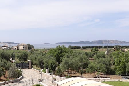 Navarino View villa with olive tree agriculture - Pila - Vila