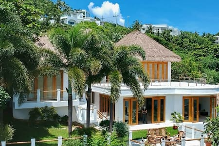 4 BR Private Villa with Stunning Ocean Views