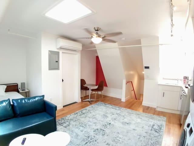 PH, Ceiling Fan, AC, Free WiFi, Full Kitchen, Washer & Dryer