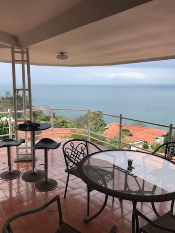 Infinity Ocean View, Punta Leona.