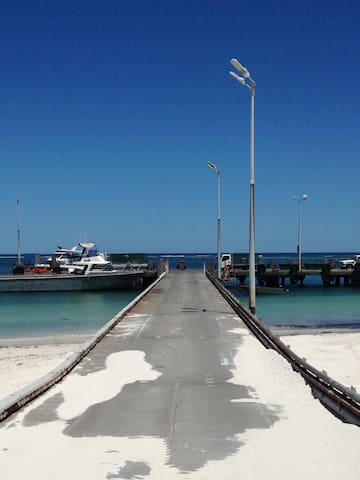 Lou's Place - Relaxed Beach Breaks - Lancelin - Byt