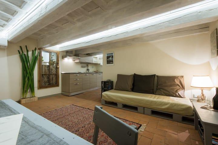 Charming and cozy flat via Maggio
