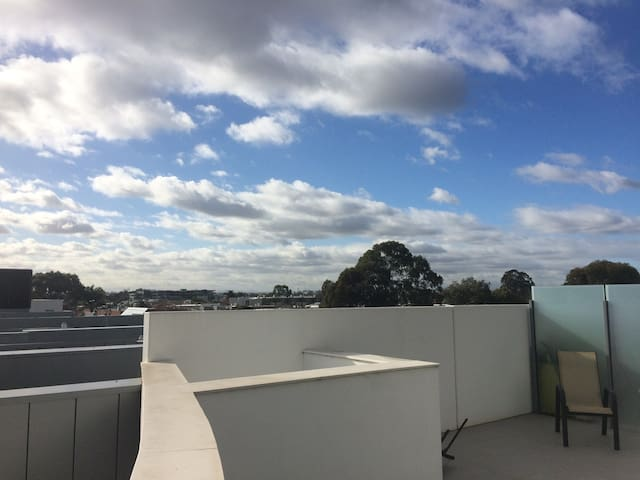 Private Room Available in Brunswick - Brunswick East - Apartment
