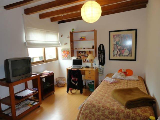 Dormitorio a 10 minutos del mar