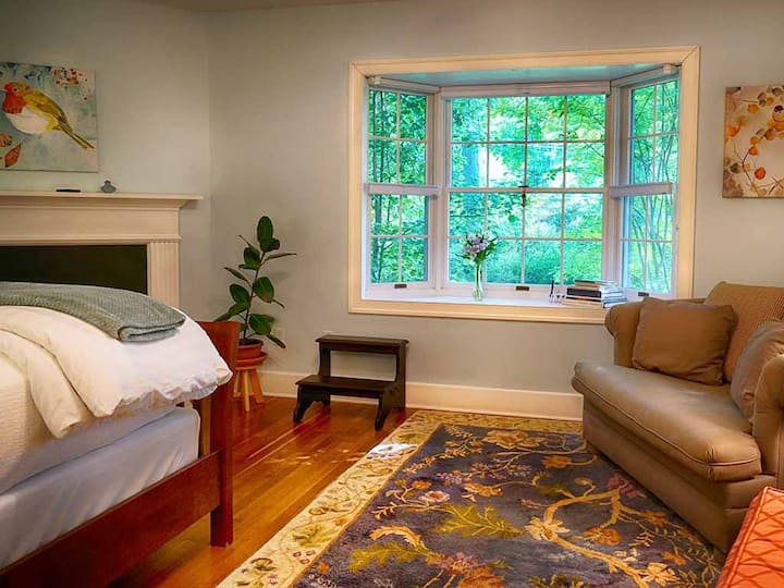 Foxfield Inn - Audubon Room