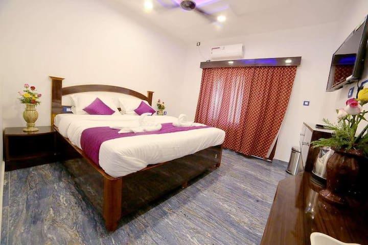 Beautiful Balcony Room @ Mamallapuram with Breakfast