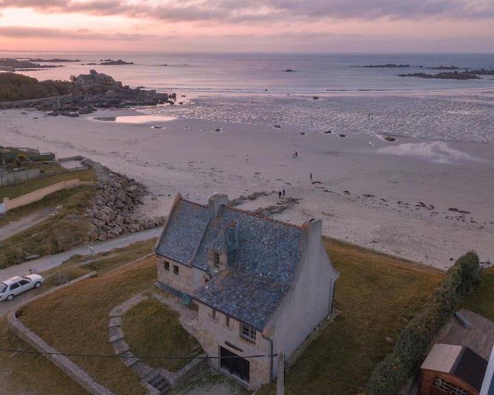 Superbe Villa en granit face à la mer