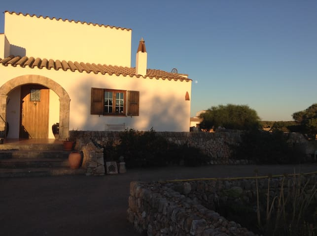 Farm, tranquil country views, close to beach - Sant Lluís - Casa