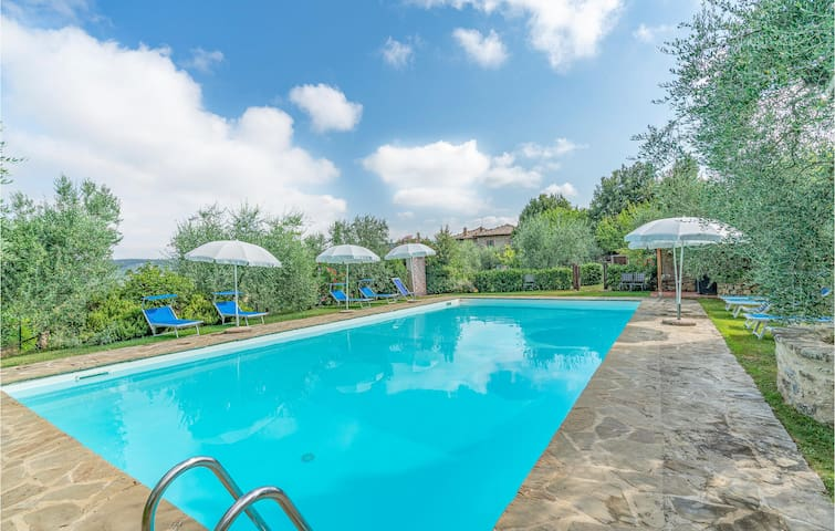 Holiday apartment with 2 bedrooms on 90m² in Castellina Chianti SI