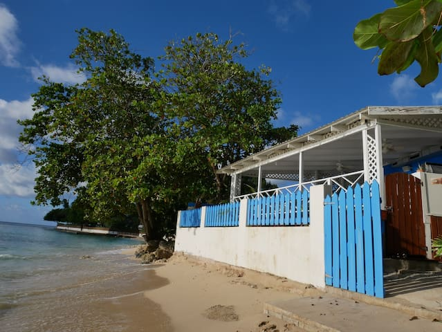Charming 2 Bdrm House on Fantastic Beach