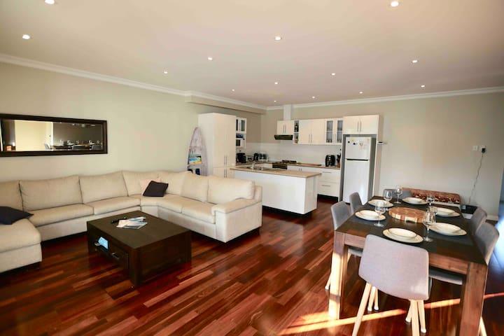 Modern Aussie's Jervis Bay Getaway