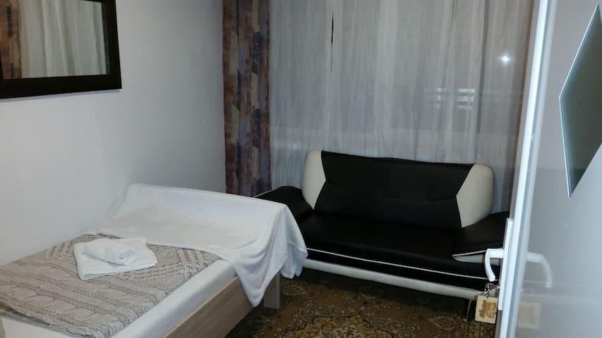 Einzelzimmer Bremen Mahndorf nähe Weserpark A1 A27
