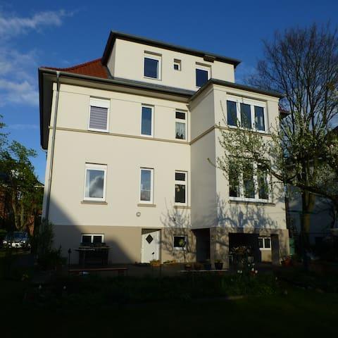 Dachwohnung in guter Lage