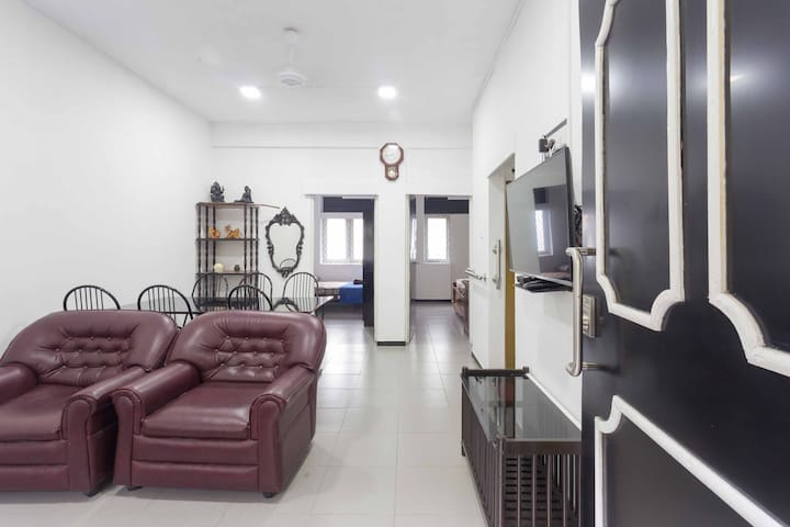 Wellawatta  2BR Apartment with Air Condition