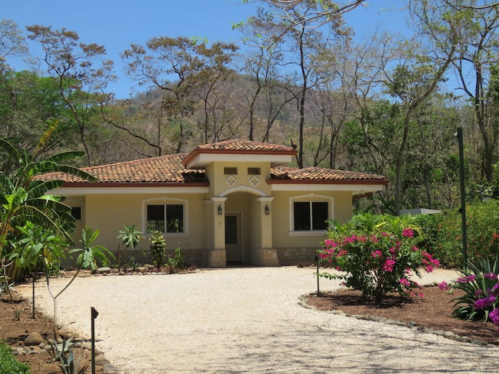 Villa Casa Blanca close to beautiful Playa Conchal