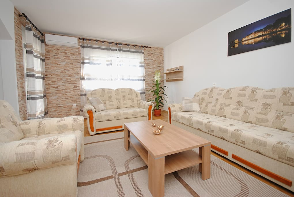 Family apartment Kastela- sofabed for two