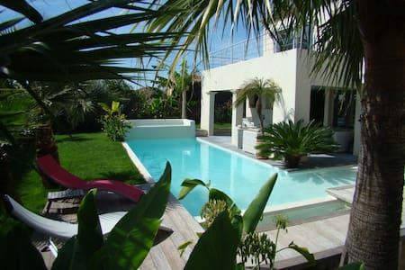 Villa 190m²  8/9 pers, piscine chauffée, exotisme - Montbazin