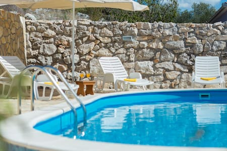 Villa Stara Kula with private pool